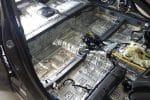Как сделать шумоизоляцию автомобиля своими руками: двери, арки, пол, капот, багажник
