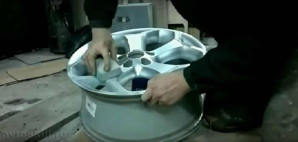Как покрасить литые диски