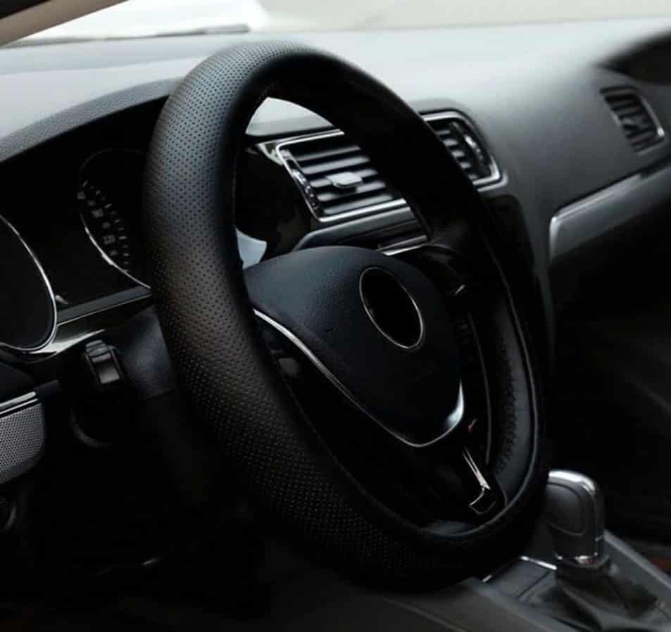Купить универсальную автомобильную оплетку на руль с Алиэкспресс