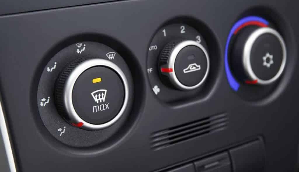 Обогрев салона, стекол и зеркал автомобиля также увеличивают расход потребления топлива