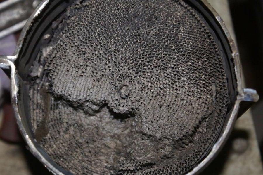 Фильтр катализатора после длительного использования