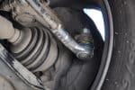 Как снять рулевой наконечник без съемника и с его помощью: инструкция с фото и видео