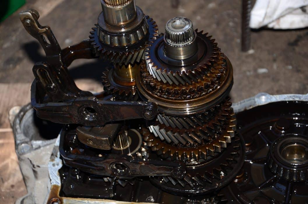 Причины заклинивания механической коробки передач | Заклинила коробка передач, что делать