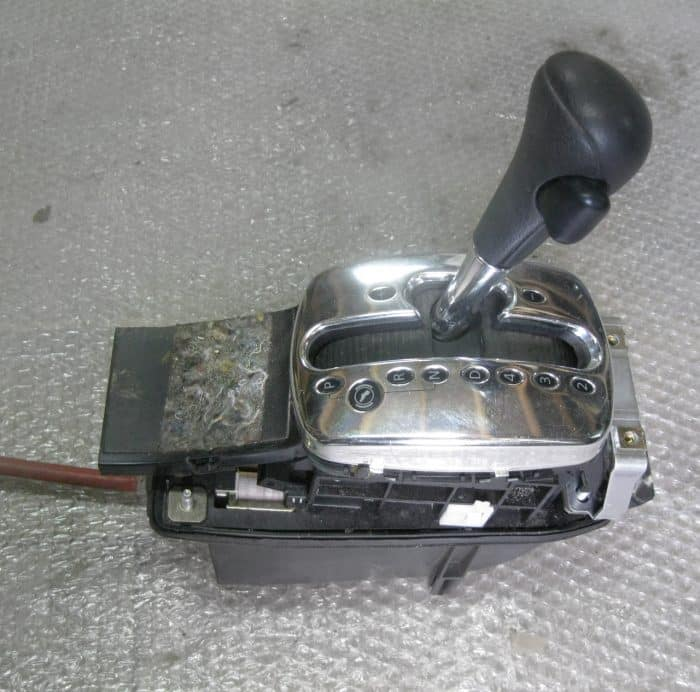 Причины заклинивания автоматической коробки передач | Заклинила коробка передач, что делать