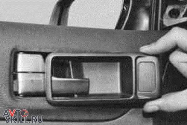 Как снять обшивку с передней двери Форд Фокус 2