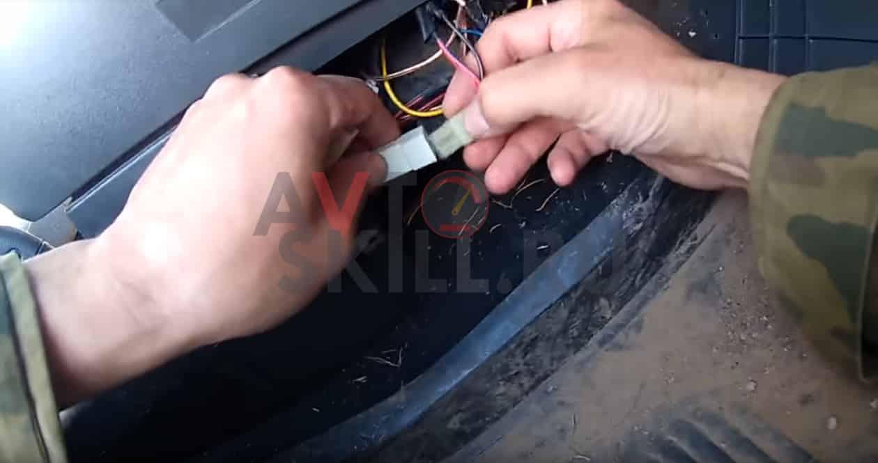 Как снять и заменить прикуриватель наВАЗ 2110, 2011, 2112