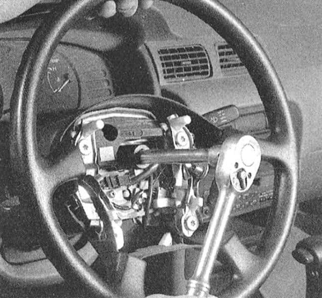 Износ гайки крепления рулевого колеса | Как убрать люфт
