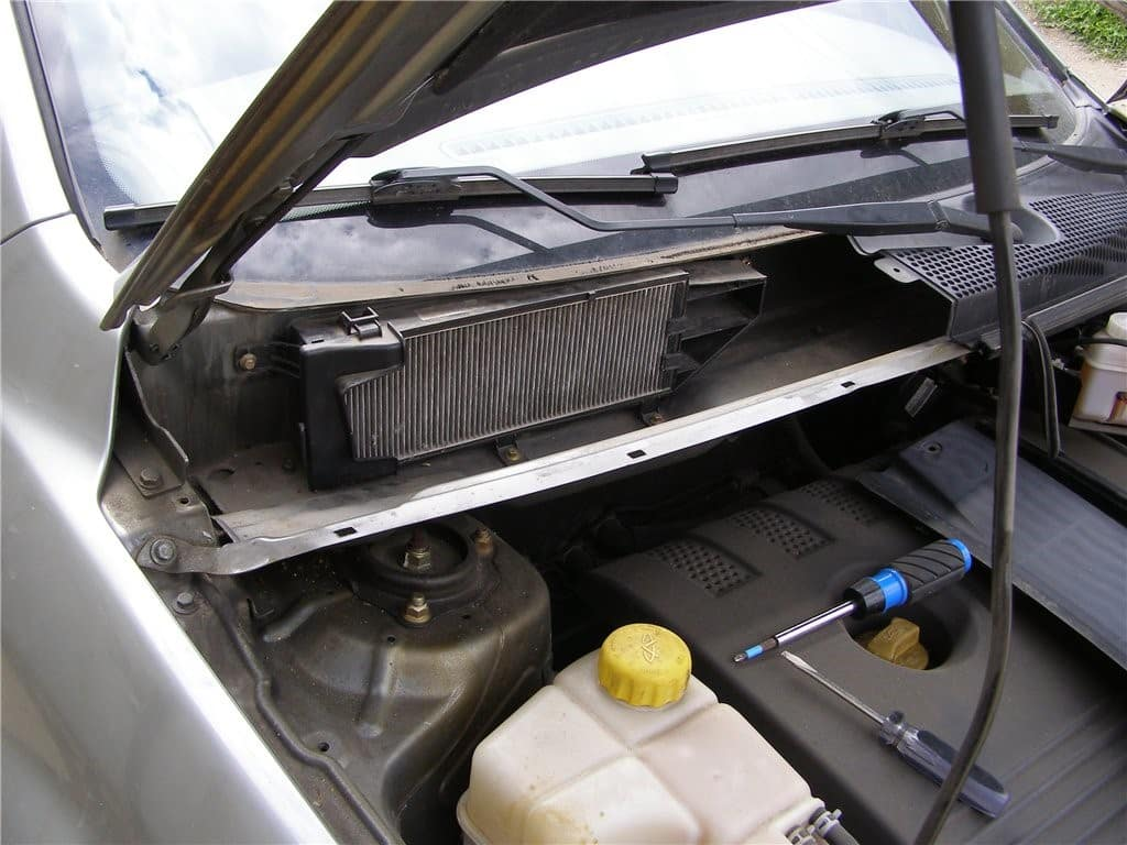 На каких автомобилях система вентиляции чаще выходит из строя | Как часто менять салонный фильтр