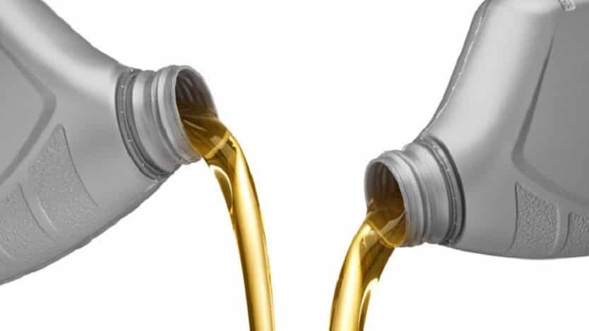 Можно ли смешивать масла разной вязкости, разных марок и производителей