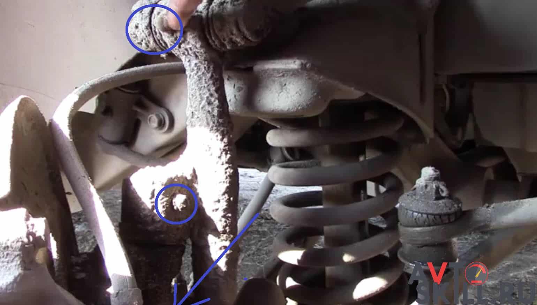 Как смазать шкворня — пошаговая инструкция | Чем и как смазать шкворня, как часто шприцевать