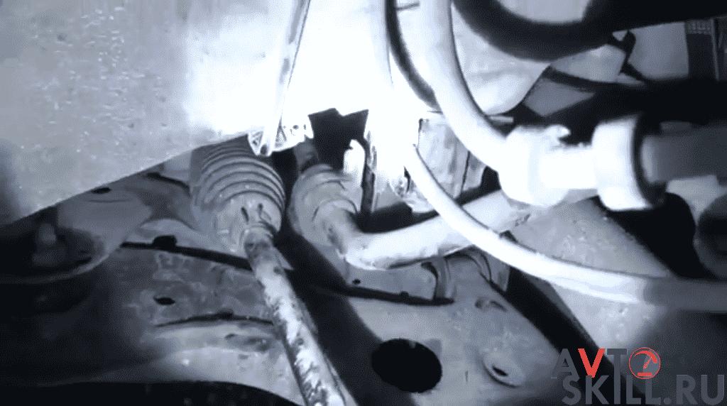 Как смазать втулки стабилизатора | Чем и как смазать втулки стабилизатора