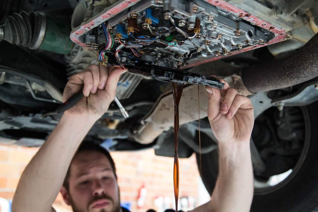 Что надо помнить водителям | Замена масла в АКПП своими руками: частичная, полная, аппаратная