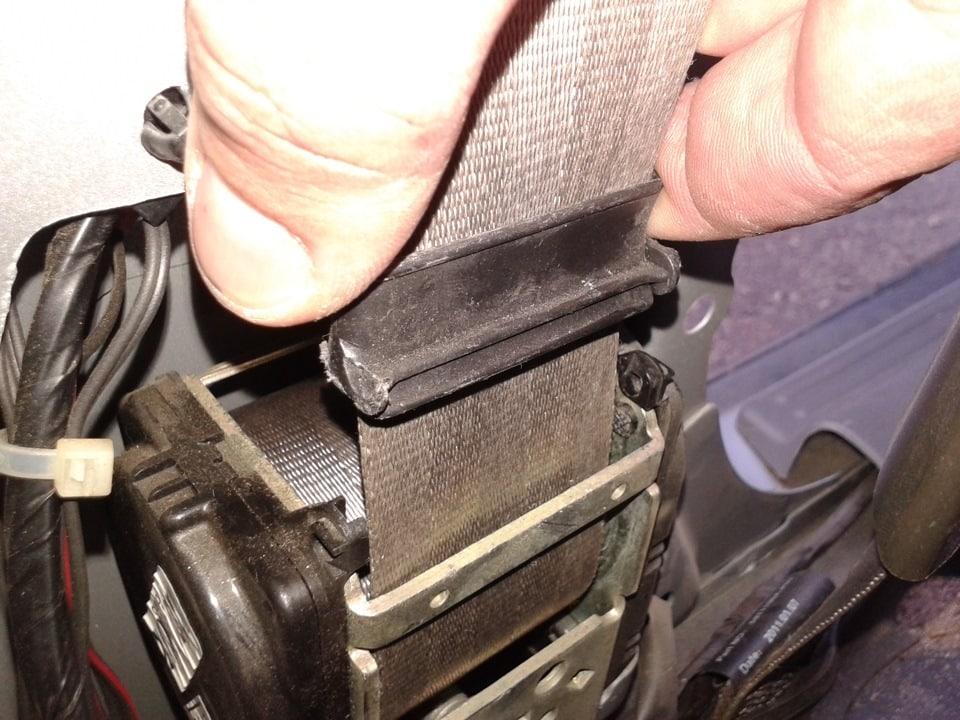 Возможные проблемы при снятии ремня и после него | Как снять ремень безопасности: задний, передний