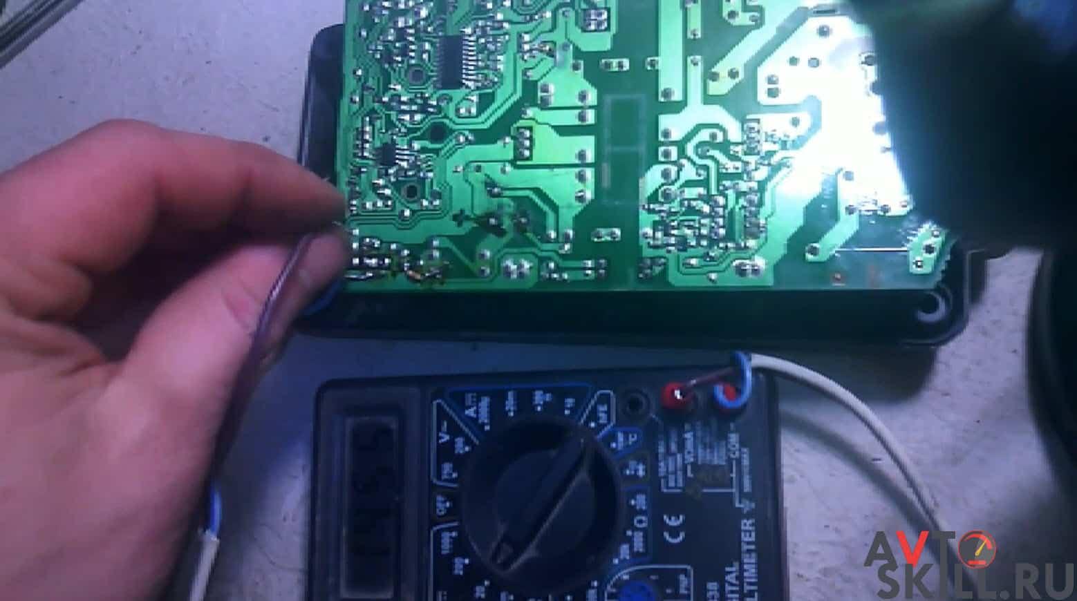 Как зарядить автомобильный аккумулятор от зарядки шуруповерта | Можно ли зарядить автомобильный аккумулятор зарядкой от шуруповерта
