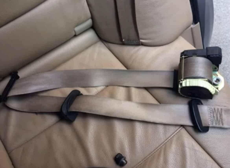 Как снять передние ремни безопасности