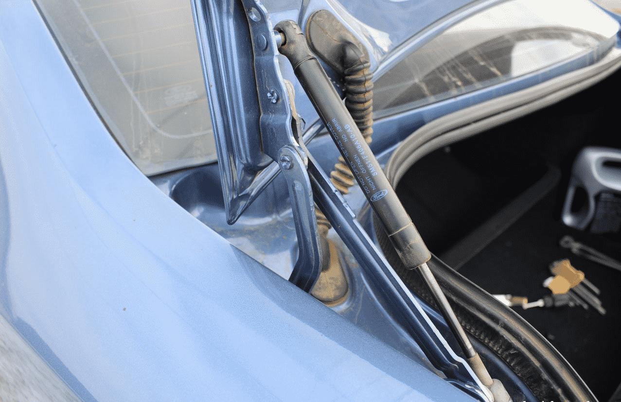 Причины замены старых амортизаторов | Замена амортизаторов крышки багажника: как поменять упор на иномарке и на отечественном авто