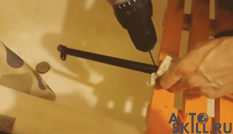 Советы для долгой эксплуатации амортизаторов | Замена амортизаторов крышки багажника: как поменять упор на иномарке и на отечественном авто