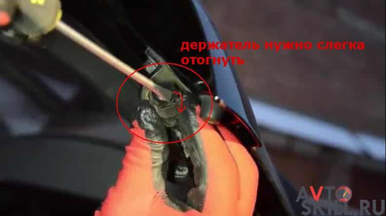 Замена амортизаторов багажника на Renault и Volvo