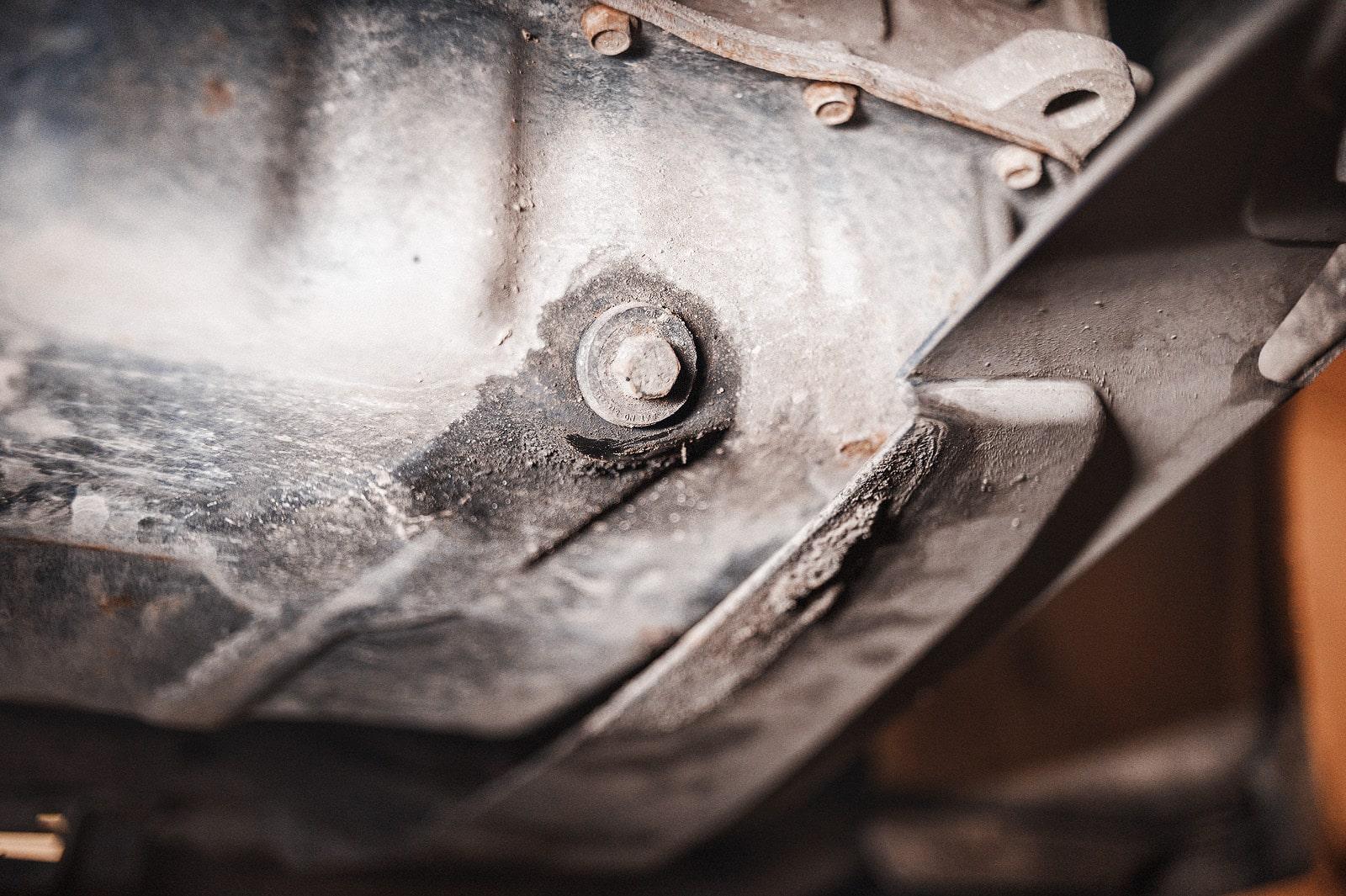 Где находится поддон картера и как он выглядит | Как снять поддон картера (масляный поддон двигателя) без снятия двигателя